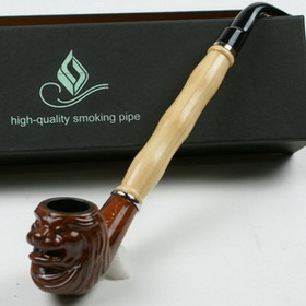Figurine wooden pipe